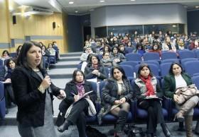 Fotografía ponencia Bárbara Valenzuela, directora del programa INCLUDEC